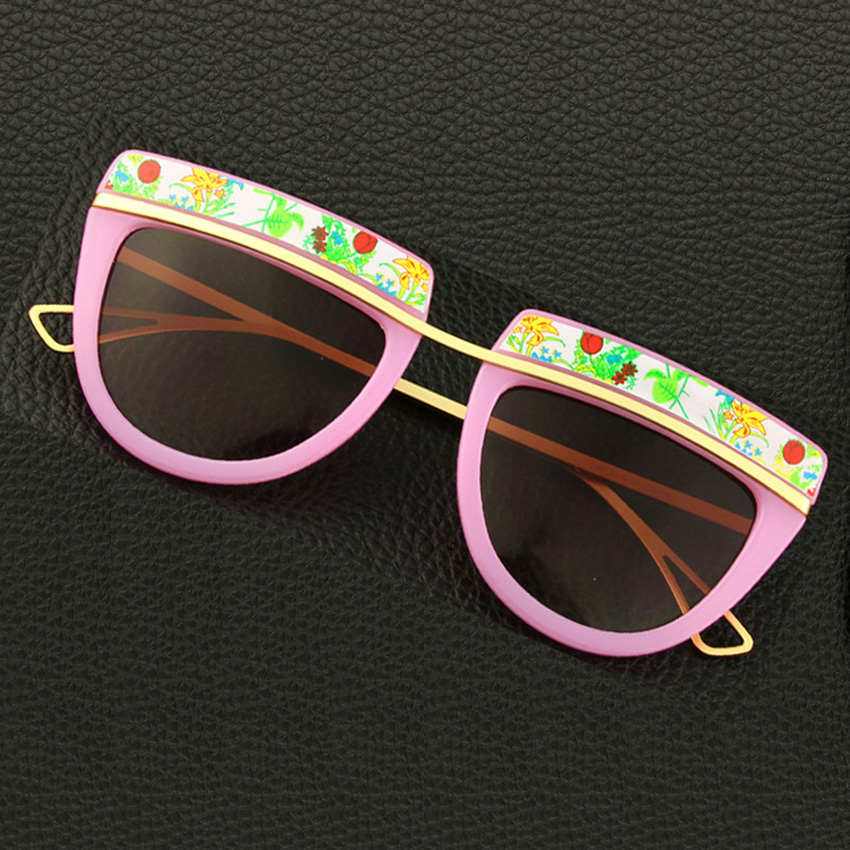 00f43d9d5 Venda quente Novo Clássico Designer de Moda Da Marca Óculos De Sol Das  Mulheres Marca de Moda Óculos De Sol Mulheres UV400 óculos de Sol De Vidro  ao ar ...