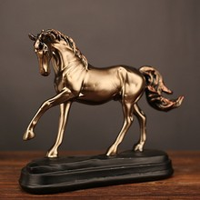 Vintage Resin Horse Statues Figurines Ornaments Horse Sculpture Crafts Home Office Decoration Accessories Creative Wedding Gifts