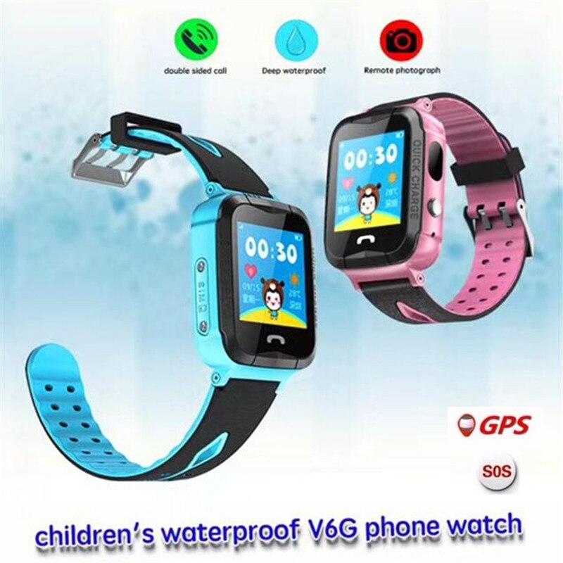 Fuyez Facture Imperméable V6G Montre Intelligente GPS Tracker Moniteur Appel SOS avec Caméra Éclairage Bébé Smartwatch pour Enfants Enfant PK q750 Q90
