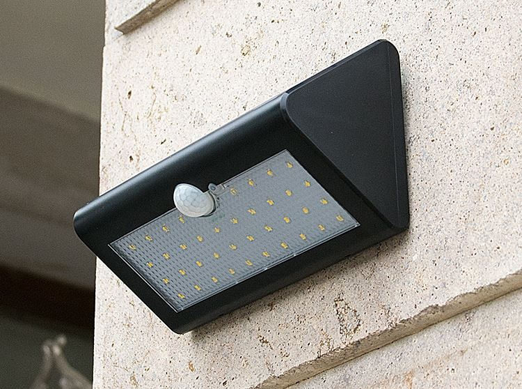 Outdoor lights solar LED lighting ultra bright home outdoor waterproof courtyard lights human induction sors m