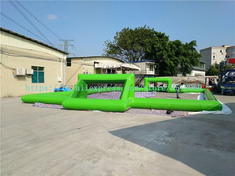 Vente d'équipement de divertissement de sports en plein air, terrain de football gonflable en PVC, accessoires de compétition de football, avec pompe à air gratuite.