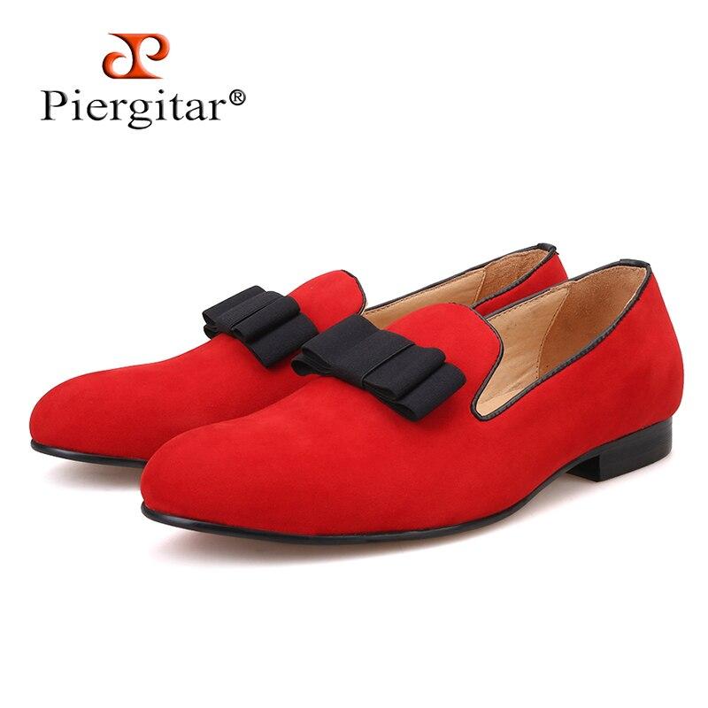 Piertar 새로운 남성 벨벳 신발 bowknot 레드 또는 블랙 컬러 남성 플랫 남성 로퍼 무료 배송-에서남성용 캐주얼 신발부터 신발 의  그룹 1