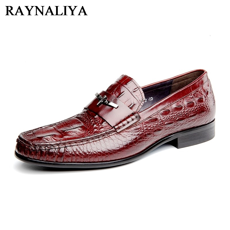 цены на Plus Size Men Formal Dress Shoes Luxury Cow Leather Round Toe Floral Pattern Leather Shoes Men Flats Formal Shoes YJ-B0017 в интернет-магазинах