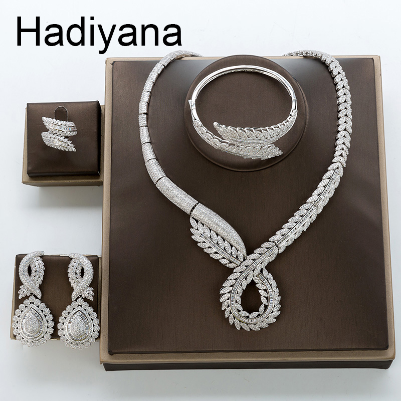 Hadiyana Luxury Wedding Engagement Wedding Jewelry Set Inlaid Shiny AAA Cubic Zirconia Branches Flower Sets For Women TZ8130