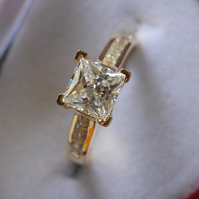 30247f512536 Genuino 925 plata esterlina joyería oro amarillo color 2Ct princesa corte  diamantes sintéticos compromiso anillo de