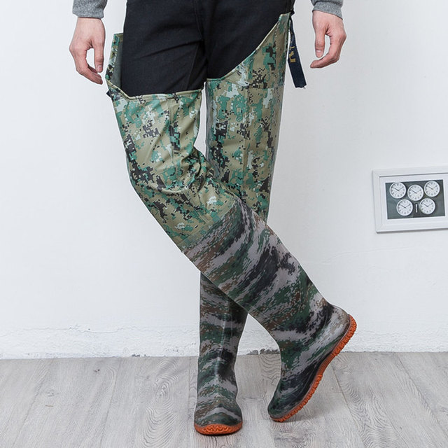 High-Jump Camouflage Tactical Fishing Boots 80cm Height 0.55mm PVC Waterproof Seamless Boots Soft Shoes End Waders for Fishing