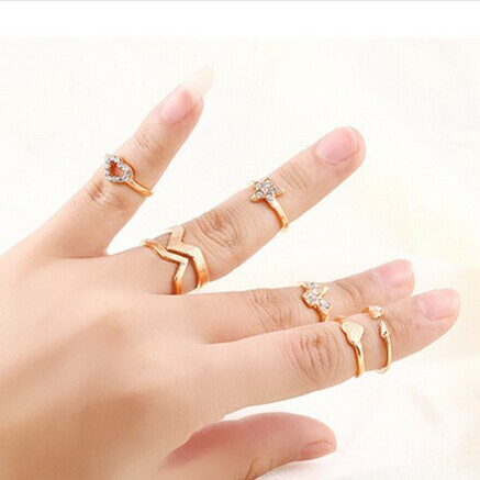 6Pcs / set New Fashion Punk Retro Heart Star Gilded Mid Finger Rings rhinestone jewelry for women b3hfb20D ABC