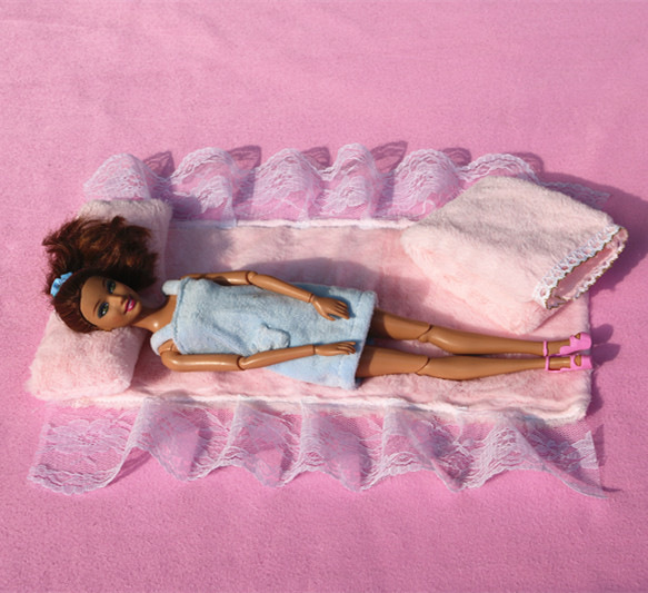 High Quality Doll Accessories Furniture Pink Quilt+pillow (Bed Four Sets) For Barbie Doll For Girls Best Gift