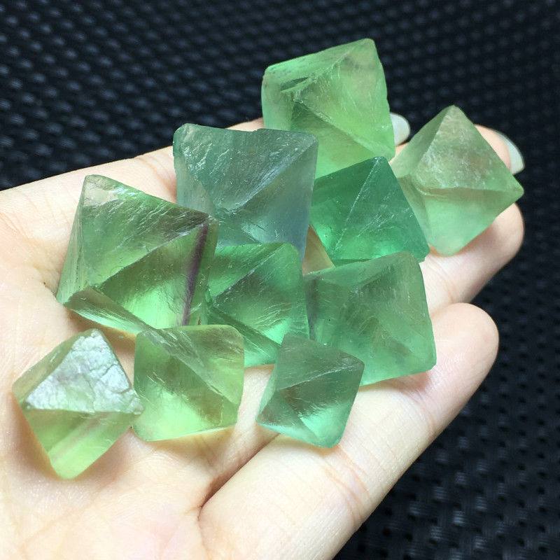 100g big Natural beautiful fluorite octahedral crystal rock specimens 6-9pcs A+
