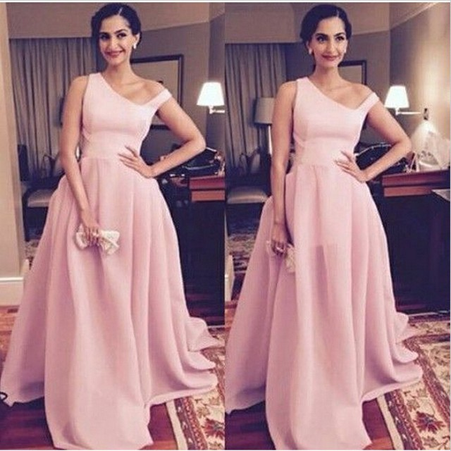 Rosa bebê Sonam Kapoor Vestidos Longos Em Bollywood Atriz Participou Ele-Femina Prêmios de Beleza 2016 Especial para o Pescoço Vestidos de Celebridades