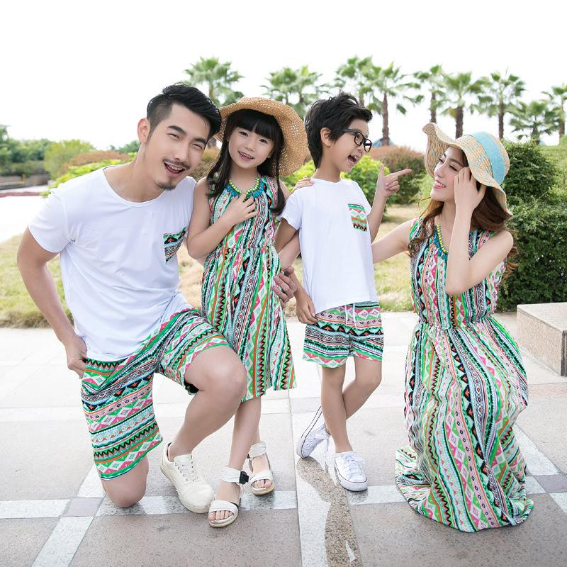 2018 Family Matching Outfits Summer Holiday Mom And Daughter Dress Beach Long Dress Father Son Casual T-Shir + Shorts 2Pcs Set