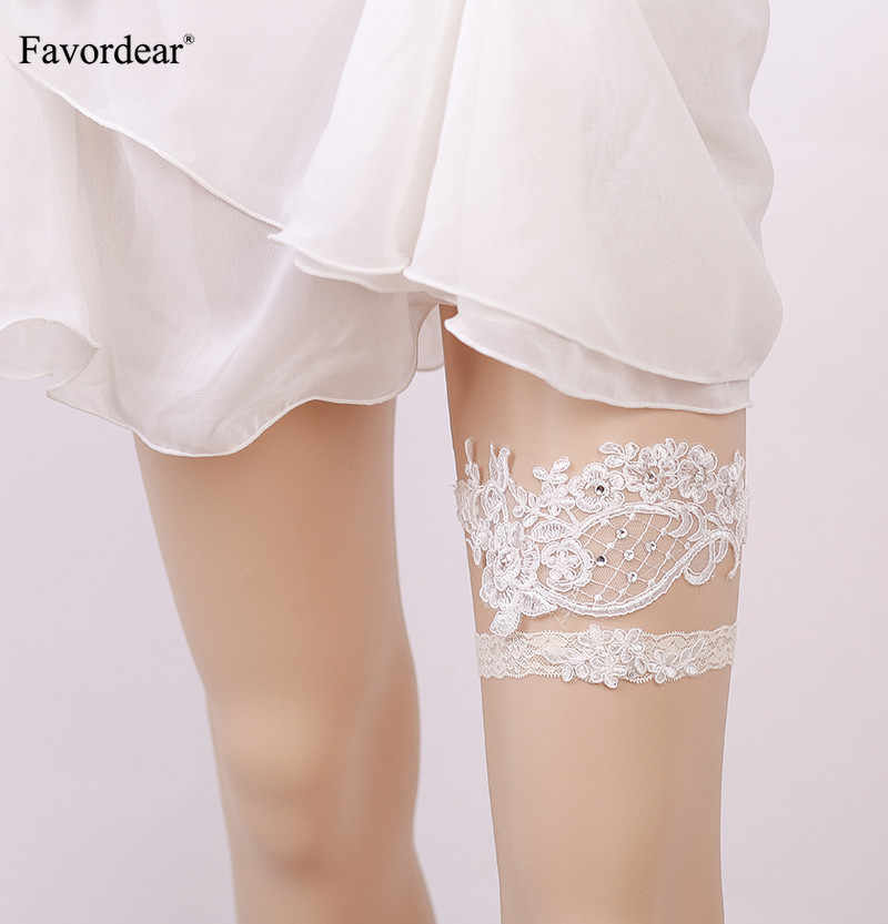 Favordear Sexy White Lace Leg Ring Floral Wedding Garter with Beading 2 PC Fashion Stocking Garter for Women/Bride/Female