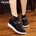 Veowalk Fashion Flower Embroidered Skate Shoes Canvas Shoes Ethnic Comfortable Fashion Breathable Walk Women Singles shoes