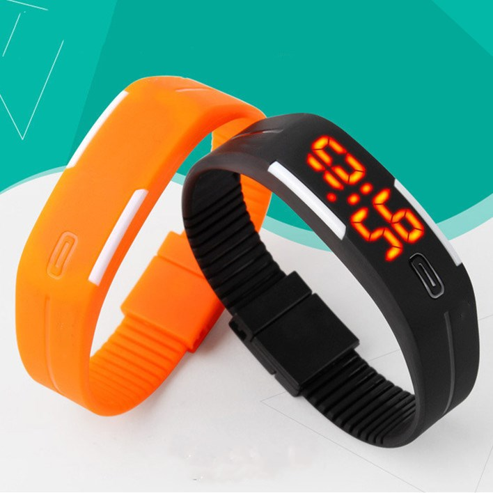 New White Digital Watch Women Men Silicone Led Bracelet Watches Sports Casual Couple Wristwatch Children Student Fashion Clock