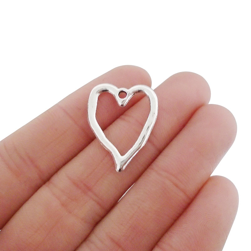 2 pcs Vintage Silver Tone Alloy Wing Heart Charm Pendant Connector Findings