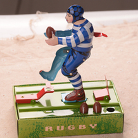 Classic American Football Boy Clockwork Toys Retro Tinplate Coffection Craft Classic Wind Up Toys