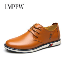цена на Genuine Leather Men Shoes Leather Casual Shoes British Style Lace Up Men Flats Oxford Shoes Top Quality Men Leather Sneakers 2A