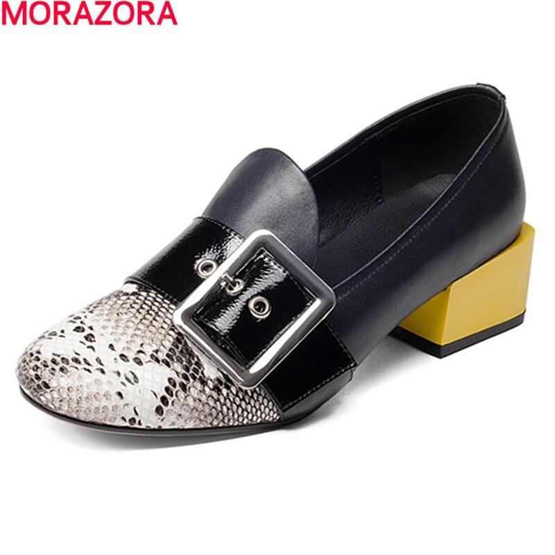 MORAZORA nieuwe Vier seizoenen enkele gesp leisure schoenen vrouw pompen mode populaire lage hakken schoenen solide echt leer-in Damespumps van Schoenen op  Groep 1