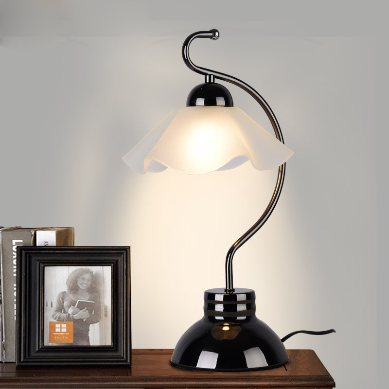 American Table Lamp Glass + Iron Bedroom Bedside Lamp European Style Retro Simple Study / Living Room Decorated Table Lamp E27 american study desk lamp of bedroom the head of a bed european style living room hh creative fashion retro robot reading lamp
