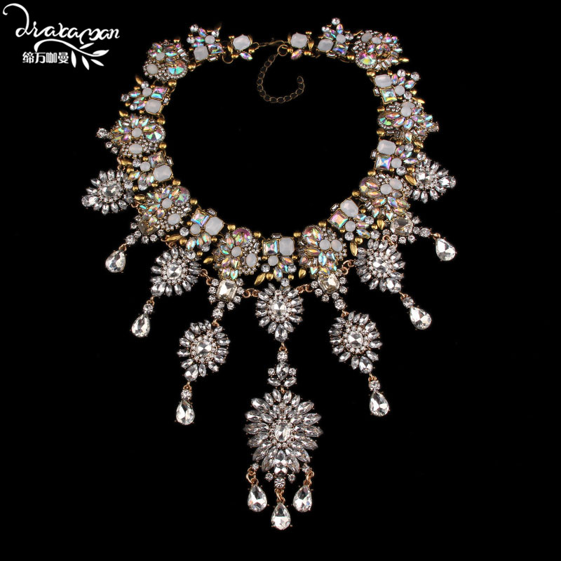 Dvacaman Brand Hotsale Handmade Crystal Choker Necklace Women Fashion Flower Statement Necklace Engagement Show Party Jewelry