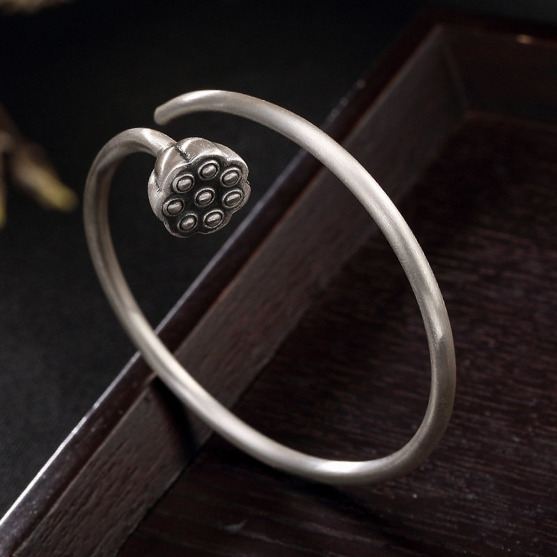 2018 New Rushed Bangle S999, Pure Silver, Antique, Matte, Old Lotus, Personalized Ladies, Open Bracelet, Bracelet Wholesale. 2018 New Rushed Bangle S999, Pure Silver, Antique, Matte, Old Lotus, Personalized Ladies, Open Bracelet, Bracelet Wholesale.