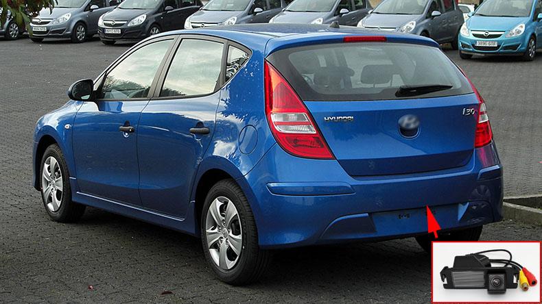 Hyundai_i30_(Facelift)__Heckansicht,_7._April_2011 (1)