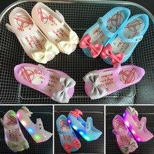 13-15.5 cm D'été automne femelle enfants arc sandales lumière PVC PU LED poissons bouche bébé princesse chaussures sandales gelée avec lampe