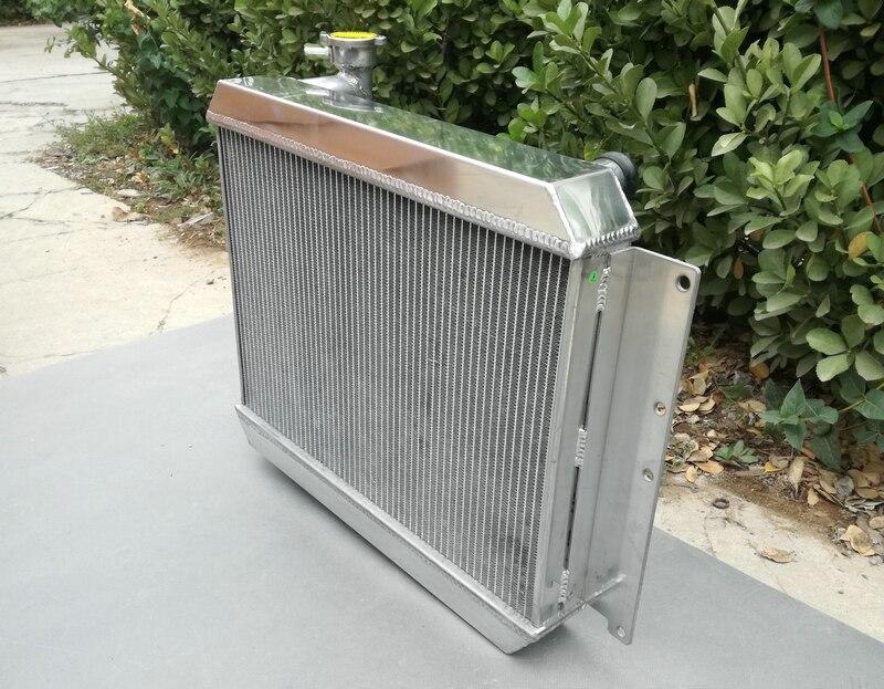 BESUTO Radiator fits Chevy C10 76-86 C20 76-86 C30 75-78 5.0 5.7 6.6 7.4 V8 2