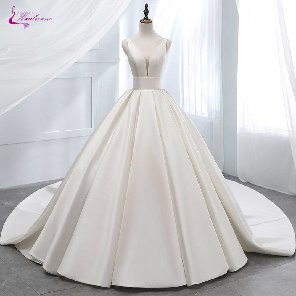 Waulizane Luxurt Pure Satin Elegant A Line Wedding Dresses  With Deep V-Neckline Wedding Gown Lace Up Closure