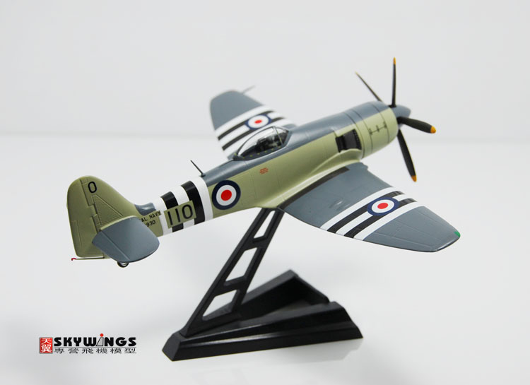 015-013 FB.11 Witty sea fury British Royal Navy 1:72 Finished Model