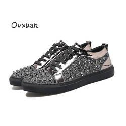 Ovxuan ручной работы мужские лоферы Лакированная кожа яркими блестками черный Серебристые Лоферы обувь с заклепками модная обувь под