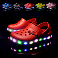Meninos das meninas do verão dos desenhos animados do carro sapatos sapatos casuais princesa sandálias crianças chinelos sapatos de praia EVA flip flop luzes LED sapatos 16O101