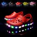 Muchachas del verano muchachos coche de dibujos animados zapatos casuales sandalias de la princesa niños zapatillas zapatos de playa EVA flip flop zapatos luces LED 16O101