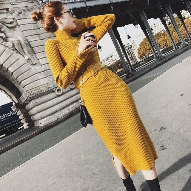 גולף נשים ארוך שרוול פיצול Hem סוודר שמלת נשים מקרית Slim סתיו חורף שמלת נקבה צהוב סרוג שמלה עם חגורה