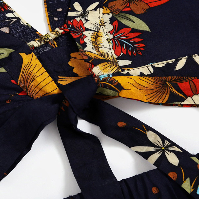 2018 New Arrival Summer 2 Two Piece Set Women Floral Printed V Collar Top Shorts Suits Beachwear Clothing Conjunto Feminino