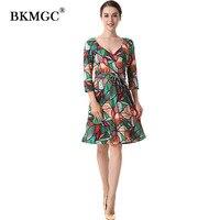 الخريف النساء اللباس المناسب فستان زهري طباعة المخملية الخضراء مثير ثلاثة أرباع كم الركبة طول فساتين أنيقة a A25-171103B