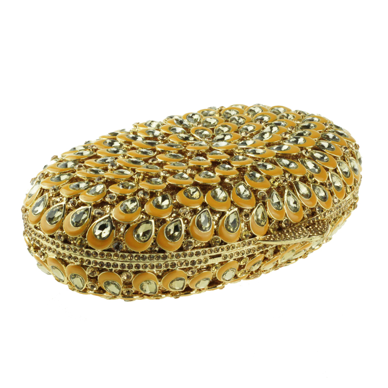 oval-shaped gold clutch bag4