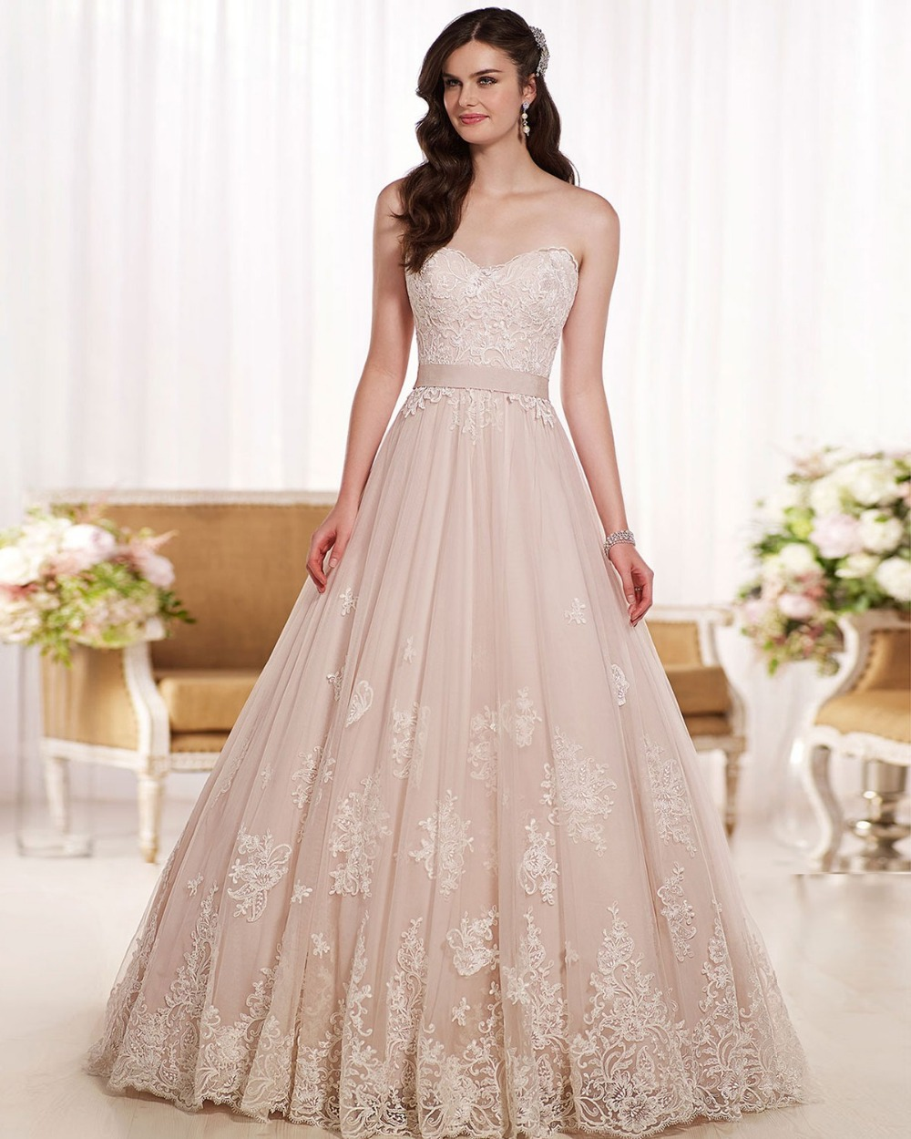 Elegant Sweetheart Lace Wedding Dresses New Design