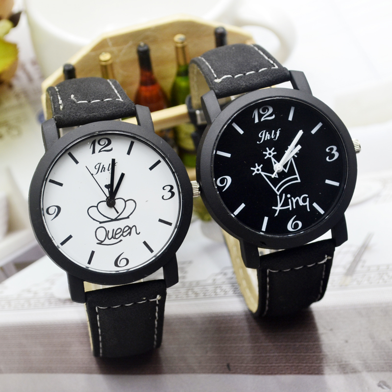 New Black And White Lovers Watch Female Soft Belt Retro Student Table Leisure Men And Women Waterproof Watch Fashion Trend