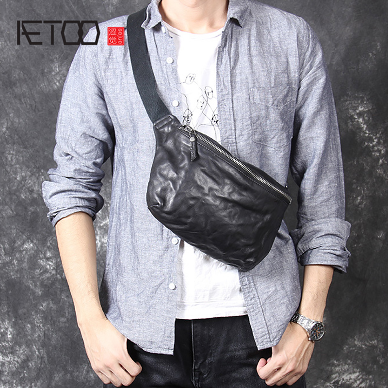 AETOO Casual retro head cowhide personality chest bag men s shoulder crossbody bag leather waistband