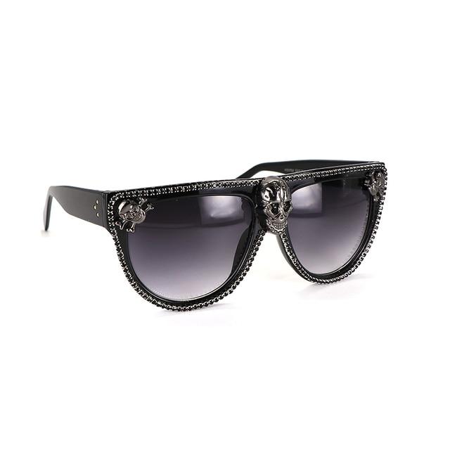 Flache top Übergroßen Schädel Schwarz Strass Sonnenbrille Frauen Retro Weibliche Große Rahmen UV400 Galvani Niet Sonnenbrille Shades