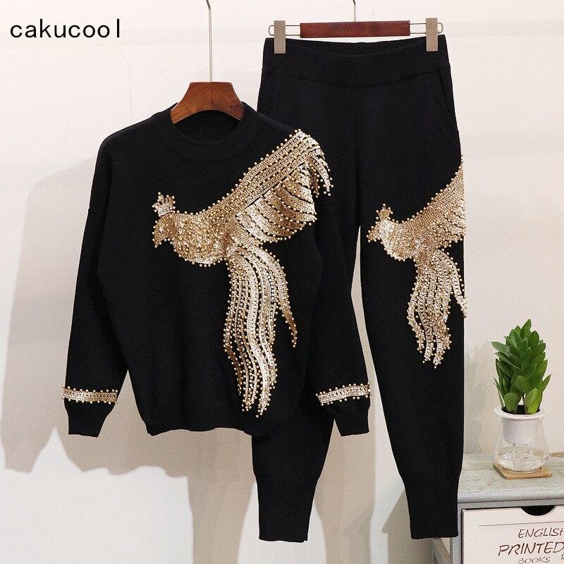 Cakucool New Sequins Beading Knit Set Women Phoenix Embroid Two Pieces Pantalon Set Casual Sweater and Capris Conjunto Feminino
