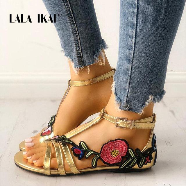 LALA IKAI Sommer Frauen Plattform Sandalen Stickerei Floral Schmale Band Schnalle Abdeckung Ferse Sandales Femmes Gladiator 014A1684-49