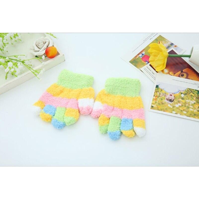 Children Kids Warmer Gloves Boys Girls Thick Coral Fleece Full Finger Mittens Random delivery