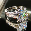 Forma Almofada 3.85CT 18 K Ouro branco Por Atacado Anéis de Noivado para as mulheres SONA anel de diamante Lindo anel para o aniversário presente de Natal