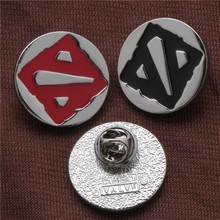 2019 New Brooch DOTA 2 Flag Logo Pin Metal Alloy LOL Game Brooches for Fans Badges Pins