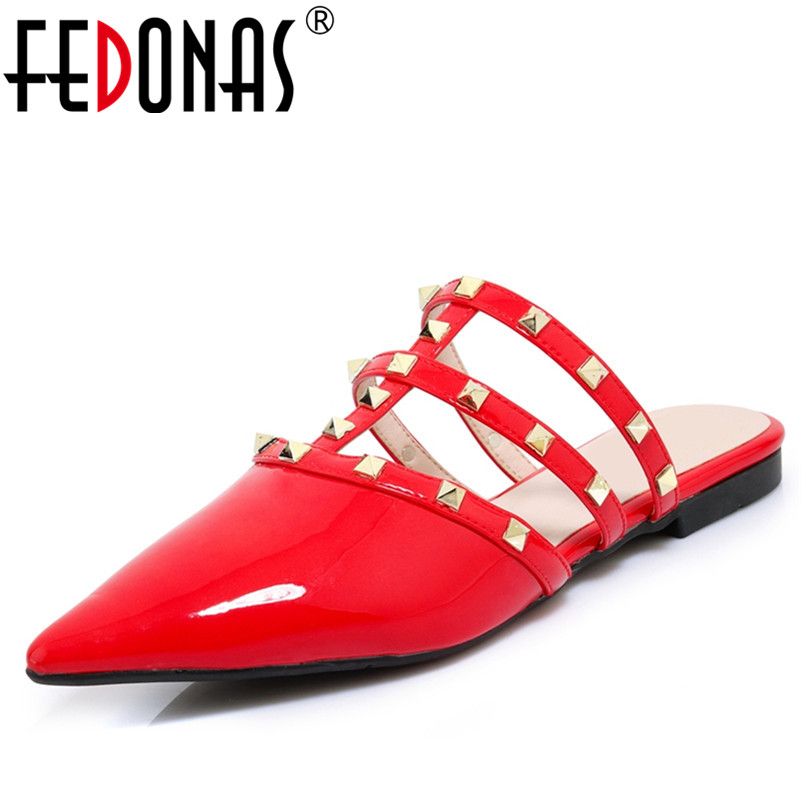 FEDONAS Women Genuine Leather Shoes Woman Closed Pointed Toe Sandals Low Heel Sexy Gladitor Rivets Rome Summer Shoes Slippers fedonas sexy pointed toe women genuine leather pumps close toe summer shoes mules high heeled sandals sexy women slippers