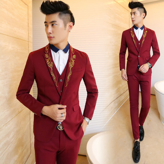 Fashion Gold Embroidery Red Men\'s Party Tuxedos Groomsmen Wedding ...