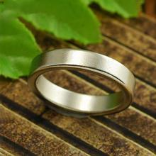 Mini Silver Strong Magnetic Magic Ring 18/19/20/21mm magnet coin magic tricks Finger decoration magician ring black circle pk ring magic tricks strong magnetic magnet ring coin finger decoration 18 19 20 21mm size magic rings props tools