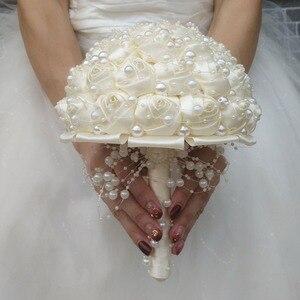 Image 4 - (Handgelenk blume und boutonniere) Elfenbein Perlen Satin Bouquet Creme Perle Perlen Blumen Halten Seide Hochzeit Braut Bouquet Set